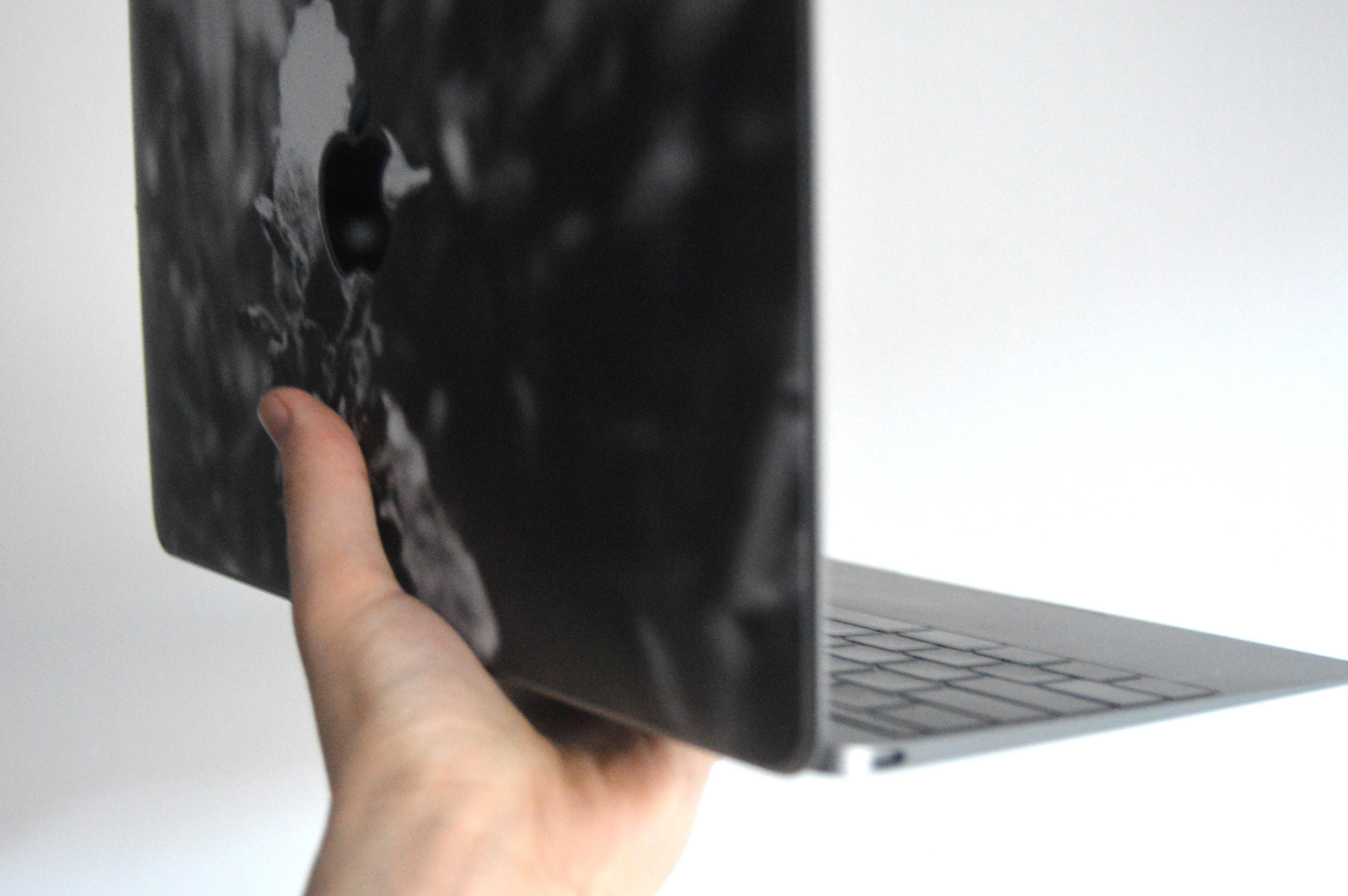 (CONCOURS) Le jour où j'ai essayé une skin pour mon MacBook 12''